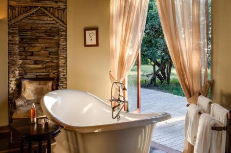 cedarberg-tintswalo-safari-lodge-luxury-bathroom-9