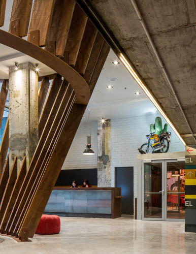 Generator-Urban-Design-Hostels-unusual-interior-design-08-386x500