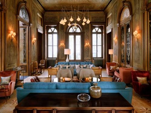 552bd6eaa67cb4c37769bcf1_hotel-report-soho-house-istanbul