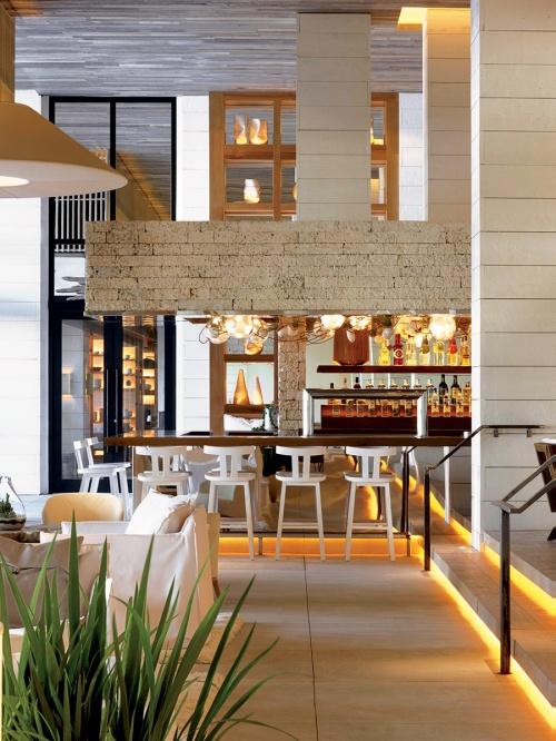 1_hotel_south_beach_736333658_900x1200
