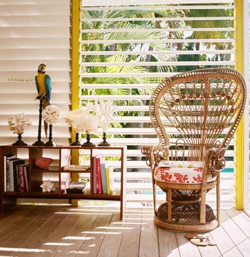la-banane-st-barts-peacock-chair-536x550
