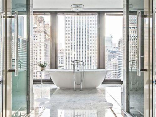 the-langham-chicago-regent-suite-master-bathroom