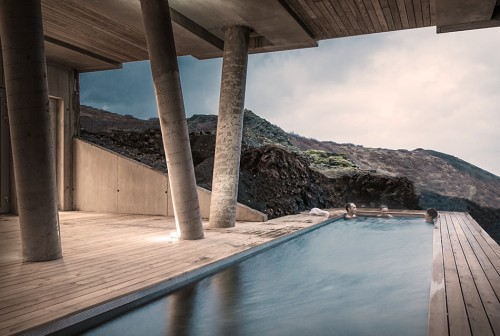 ion-luxury-adventure-hotel-pool-hot-tub-outdoor-nature-view-002