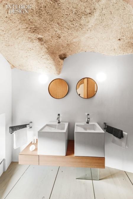 thumbs_mancastudio-hosptiality-bathroom-sconces-0716-jpg-770x0_q95