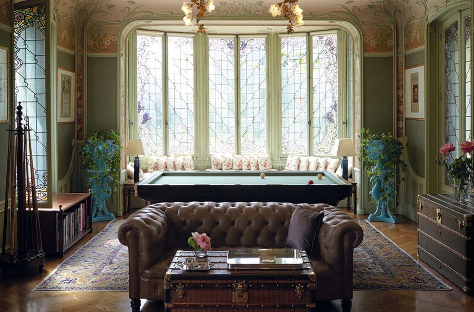 La inquieta herencia en movimiento: La famosa casa Louis Vuitton encuentra una nueva forma para promociónmoderna.
